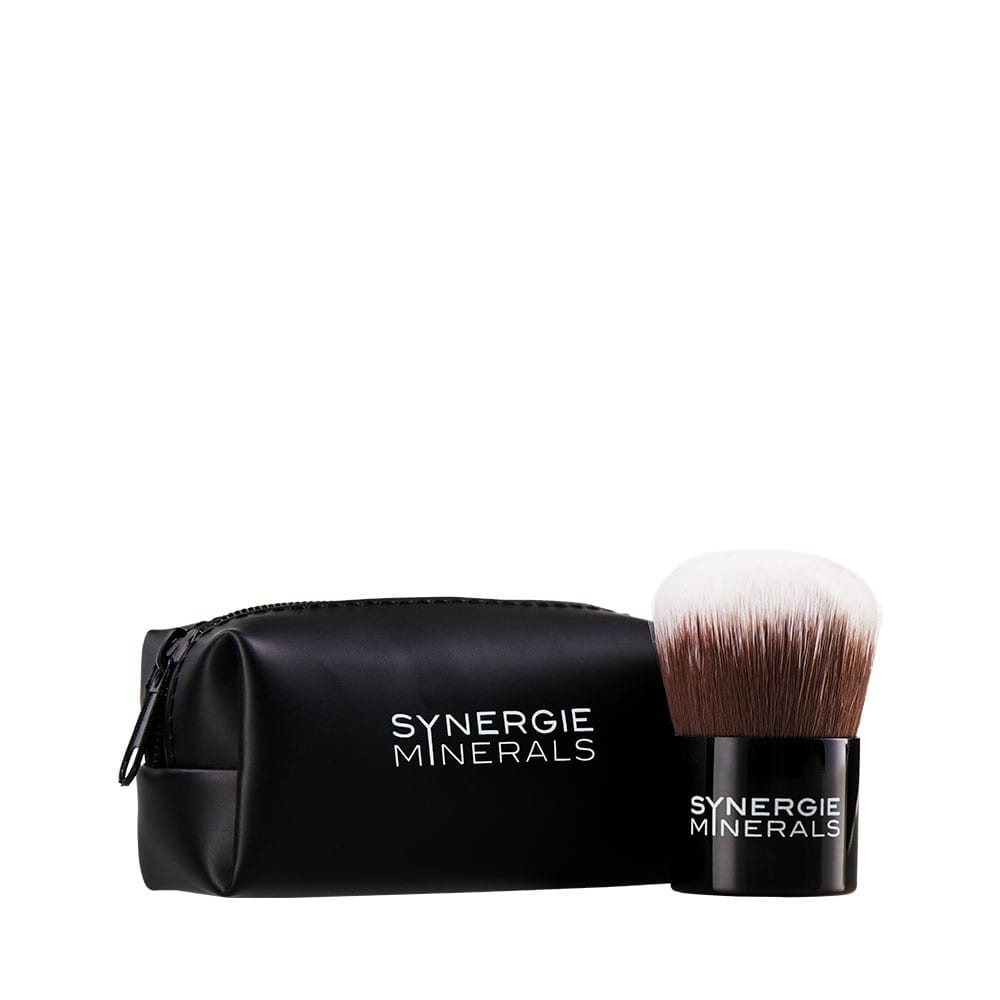 SYNERGIE MINERALS Kabuki Brush with Pouch